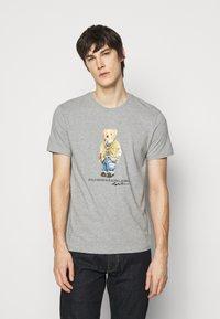 Polo Ralph Lauren - Print T-shirt - andover heather - 0