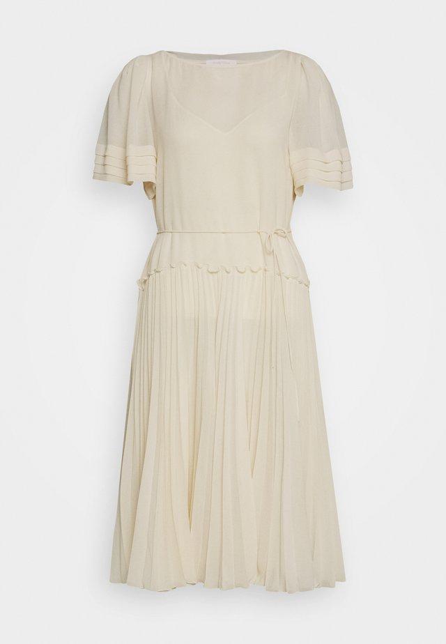 Denní šaty - angora beige