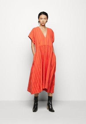 VERY DRESS - Denní šaty - cherry tomato