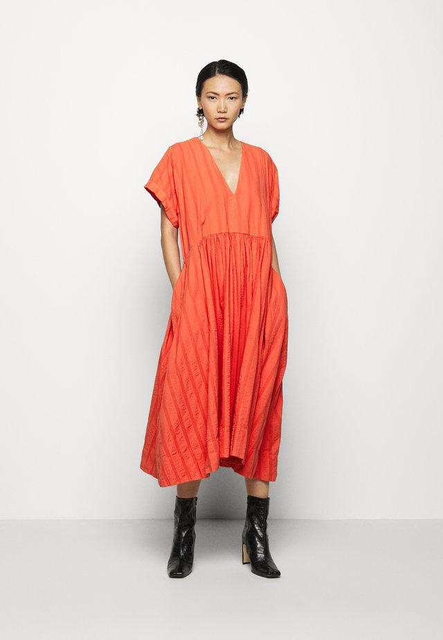 VERY DRESS - Robe d'été - cherry tomato