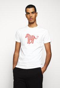PS Paul Smith - MENS SLIM FIT DEVIL ZEBRA - Print T-shirt - white - 0