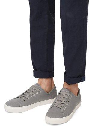 ALEX 1D - Trainers - light grey