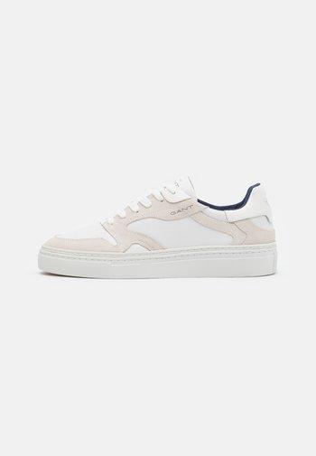 MC JULIEN - Sneakers - bright white