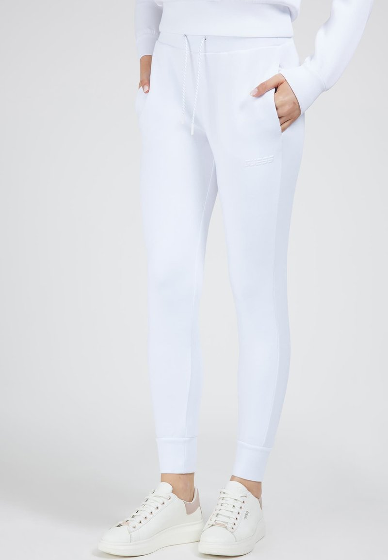 Guess - Tracksuit bottoms - weiß