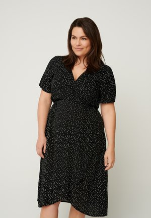 SHORT-SLEEVED WRAP - Vestido informal - black