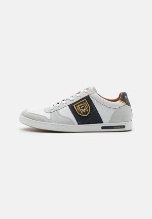 MILITO UOMO - Sneakers laag - bright white
