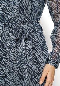 Vero Moda Tall - VMRYLEE MALLY SHIRT DRESS  - Maxi dress - flint stone - 5