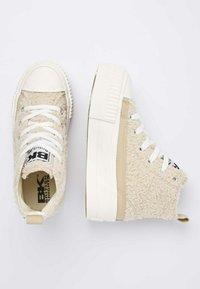 British Knights - KAYA MID - Sneakers hoog - beige / white - 3