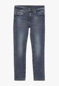 Tommy Hilfiger - STEVE SLIM TAPERED  - Slim fit jeans - denim - 0