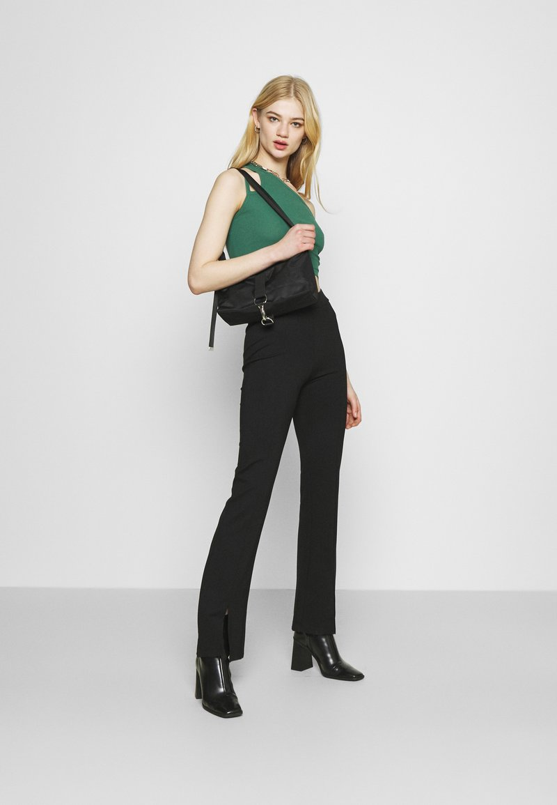 Weekday - STRAP CROP 2 PACK - Top - green/black