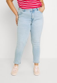 ONLY Carmakoma - CARRICA LIFE - Jeans Skinny Fit - light blue denim - 0