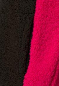 Oakley - WOMENS - Fleece jumper - black/rubine - 6