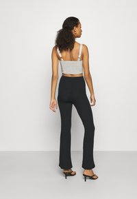 Missguided - FLARE TROUSERS 2 PACK - Kalhoty - black/ dark grey - 3
