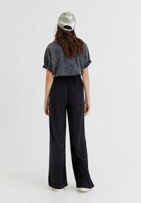 PULL&BEAR - RUSTIKALE - Trousers - black - 2