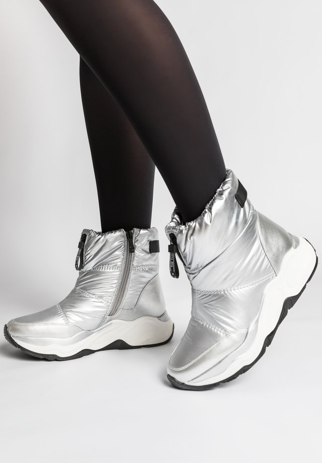 Ankle boots - silber