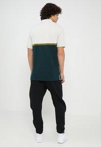 Nike Sportswear - PANT - Spodnie treningowe - black/black - 2