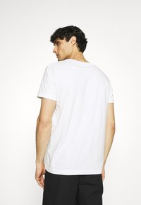 GANT - SUMMER - T-shirt med print - eggshell - 2
