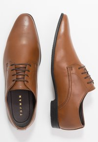 Topman - BRIAR DERBY - Smart lace-ups - tan - 1