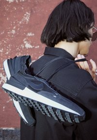 Nike Sportswear - WAFFLE ONE - Tenisky - black/black-white-orange - 2