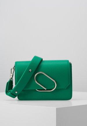 ALIX MINI SHOULDER BAG - Taška spříčným popruhem - kelly green