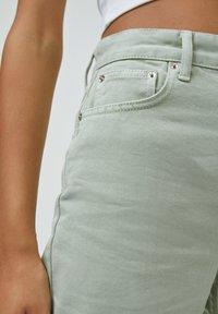 PULL&BEAR - CROPPED - Straight leg jeans - mottled light green - 4