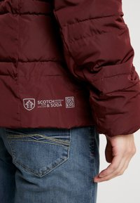 Scotch & Soda - CLASSIC HOODED PRIMALOFT JACKET - Vinterjacka - bordeaux - 5