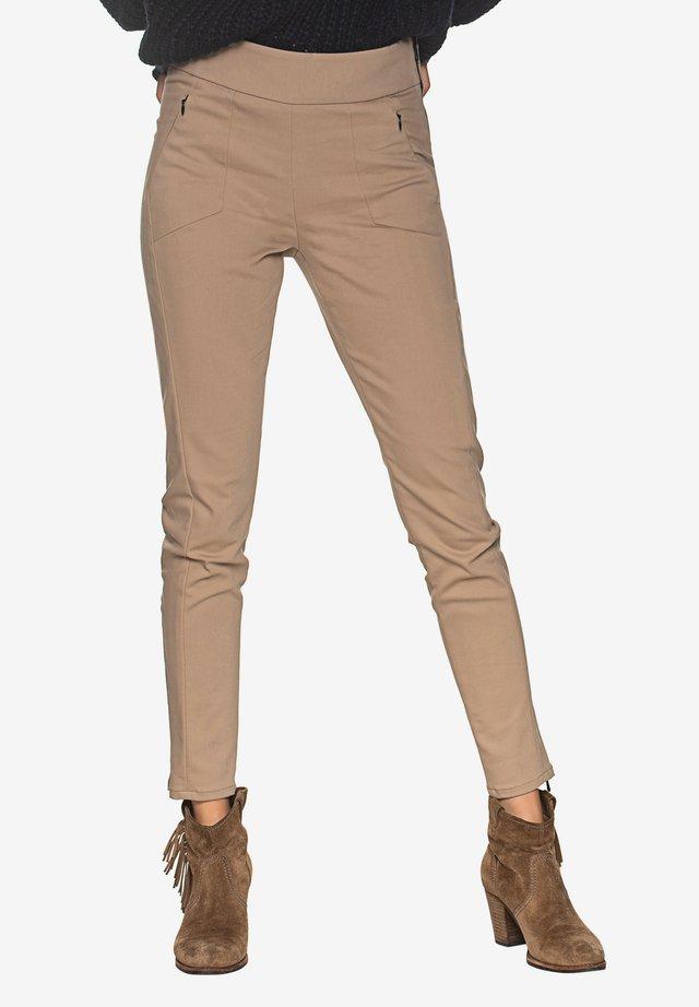 TECHNO CASUEL PANT - Trousers - hazelnut