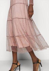 Vero Moda Tall - VMJUANA DRESS - Společenské šaty - misty rose/black - 4