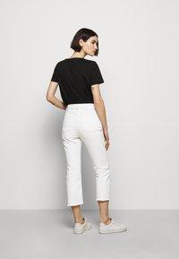 HUGO - GAYANG - Jeans straight leg - natural - 2