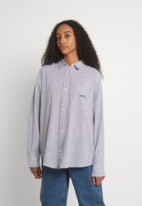 BDG Urban Outfitters - TULLY OVERSIZED STRIPED  - Button-down blouse - grey - 0