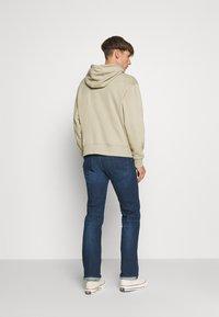 Diesel - LARKEE - Straight leg jeans - 009er - 2