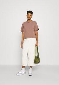 Weekday - TRISH - Basic T-shirt - brown - 1