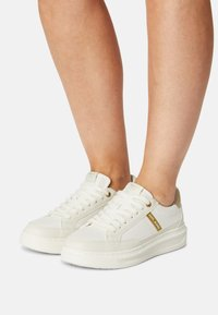 Pepe Jeans - ABBEY SHADE - Tenisky - white - 0