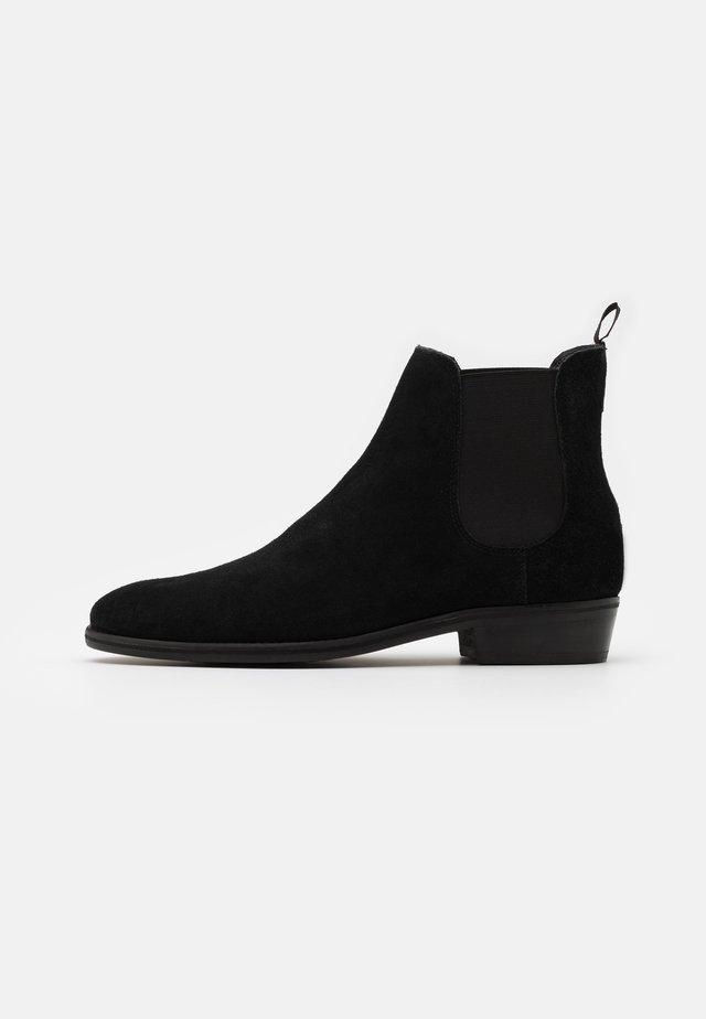 JACKSON CHELSEA - Classic ankle boots - black