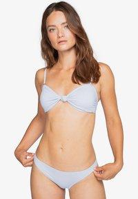 Billabong - SOL SEARCHER KNOTTED BANDEAU - Bikini top - ice blue - 0