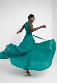 Elisabetta Franchi - Occasion wear - smeraldo - 3