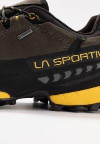 La Sportiva - TX5 LOW GTX - Hiking shoes - carbon/yellow - 5
