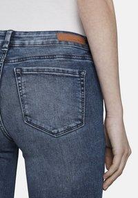 TOM TAILOR DENIM - MIT RISSEN - Jeans Skinny Fit - blue denim - 4