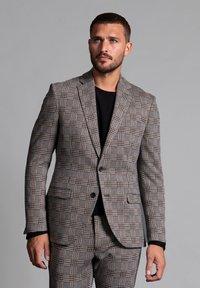 WORMLAND - JARRETT - Suit jacket - braun - 0