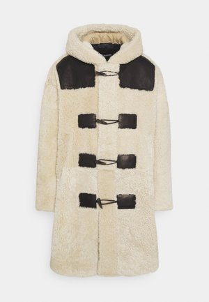 SHEARLING DUFFLE COAT - Classic coat - natural/black