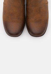 mtng - NEWSESENTA - Kotníkové boty na platformě - karma - 5
