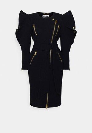 FASHION SHOW TRENCH DRESS - Koktejlové šaty/ šaty na párty - black
