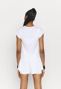 Nike Performance - T-shirts - white/black - 2