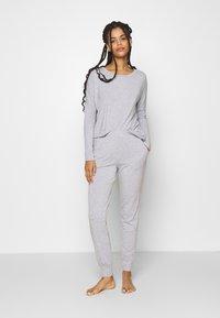 Anna Field - SAMMY SLOUCH SET - Pyjamas - light grey - 1
