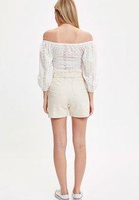 DeFacto - Shorts - ecru - 2