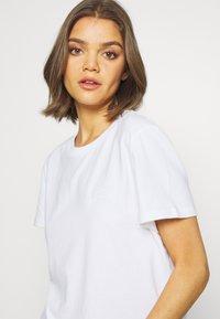 Superdry - ELITE CREW TEE - T-shirts - white - 4