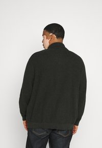 Jack & Jones - JJVINCE CARDIGAN - Cardigan - forest night - 2