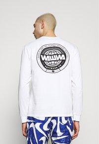 WAWWA - LOGO LONGSLEEVE - Long sleeved top - white - 2