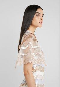 Needle & Thread - ALASKA MINI DRESS - Koktejlové šaty/ šaty na párty - pearl rose - 3