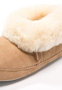 Shepherd - EMMY - Slippers - chestnut - 6